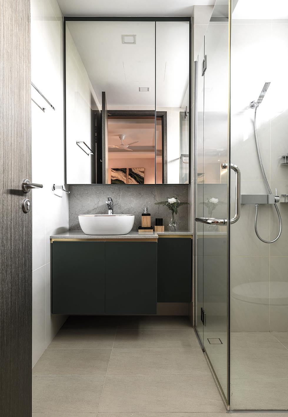 038 Common Bath 2