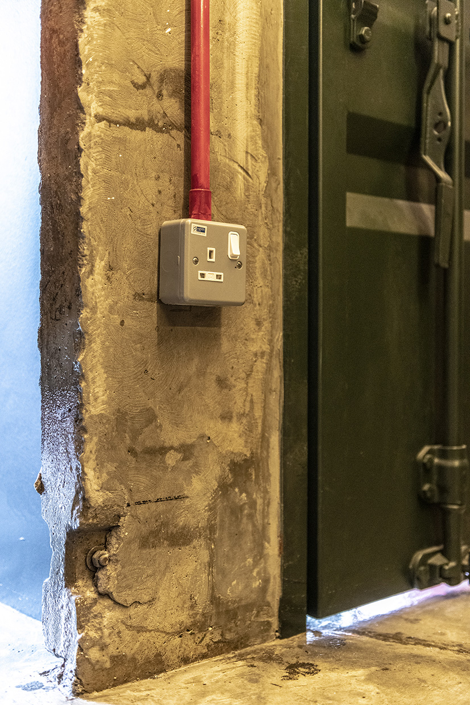 43 Close View Plug