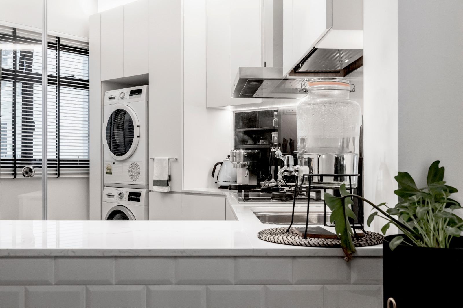 02 Dry + Wet Kitchen