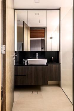 034 Common Bath 1