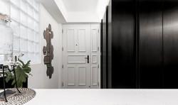 13 Foyer