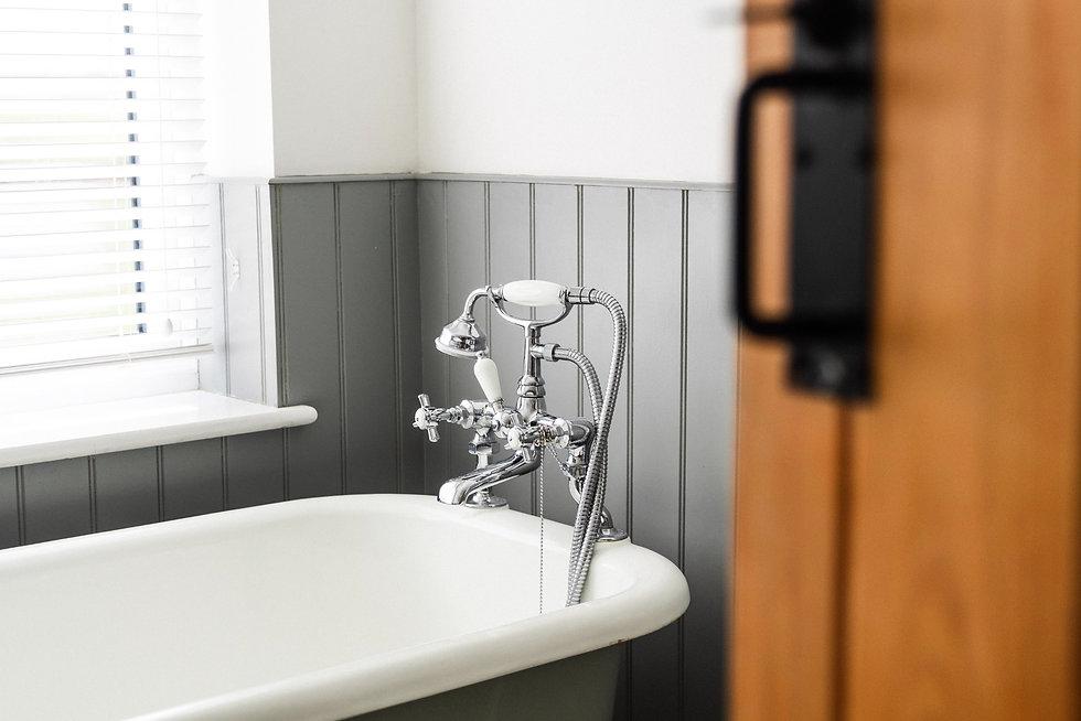 Vintage bathroom fittings