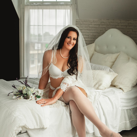 Styled Themed Boudoir Sessions: How Do They Work?   Michigan Boudoir