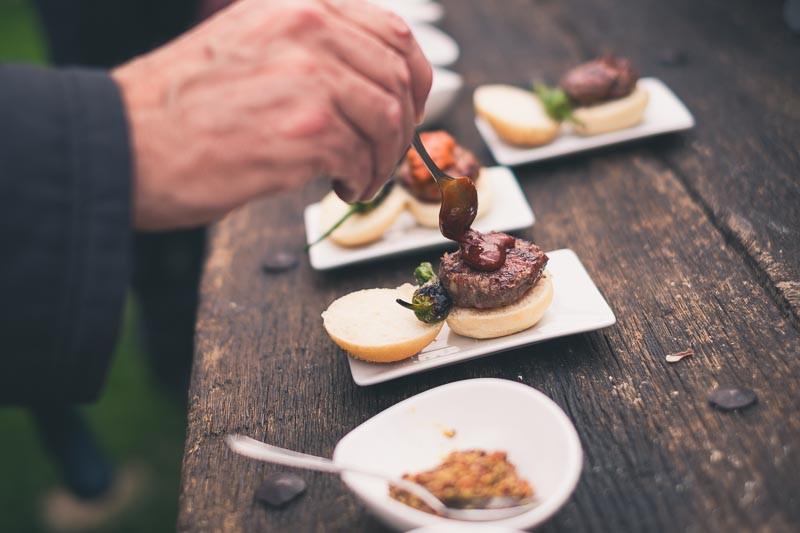 Mini-hamburguesas de Cal Jepet. Xavier & Co. Fotógrafo bodas barcelona.