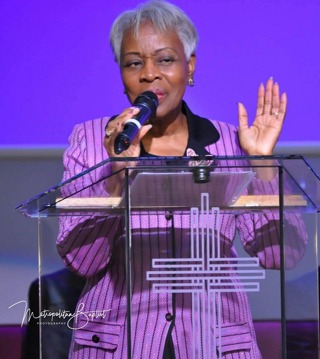 Brenda Girton Mitchell preaching