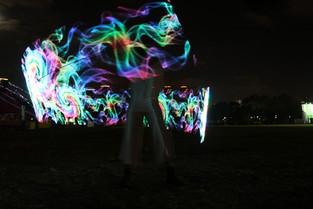 של גול עובד משוטט בחלל קרדיט פסטיבל האור