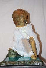 הנערה_על_יד_bronze___הנהר____.פסל40-31___polymer_._י________בסיס_55-39____________________