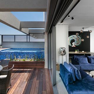 בריכות_שחיה_גם_במרפסות-עיצוב-_ענבל_ברקוב