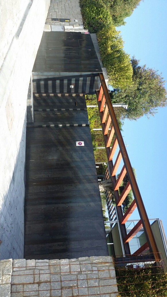 entrada y porche