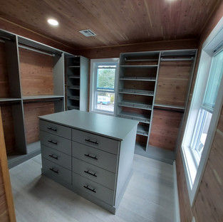 Cedar Walk-In with Gray Shelves and Center Island