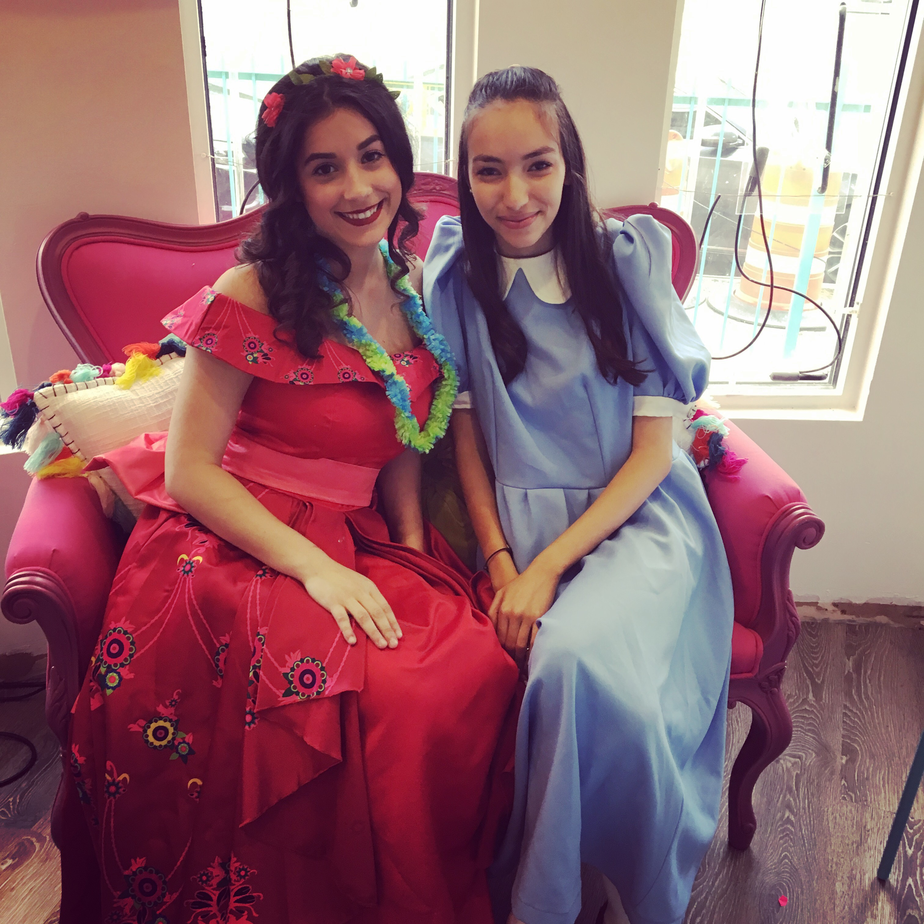 PRINCESS COSTUME CHARACTERS