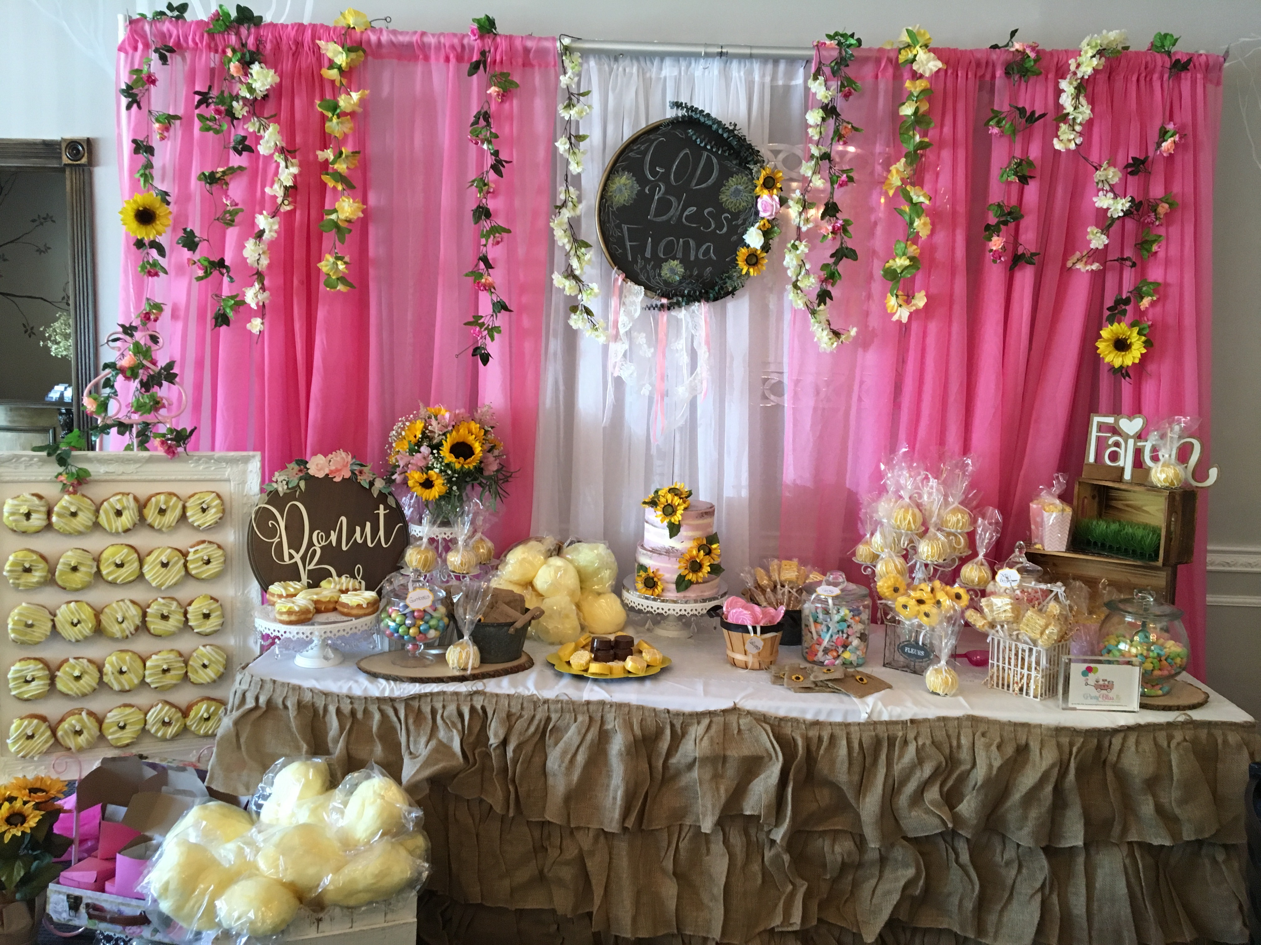 SUNFLOWER CANDY TABLE