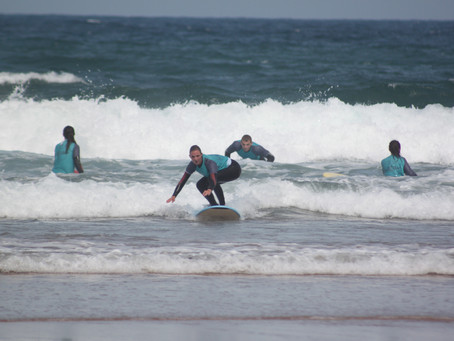 Wy chose the Algarve for learn how to surf (with us) and for holidays.