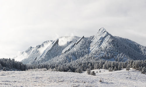 a-sharp-winter-day-at-the-flatirons-in-b