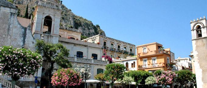 Sicily_Taormina.jpg