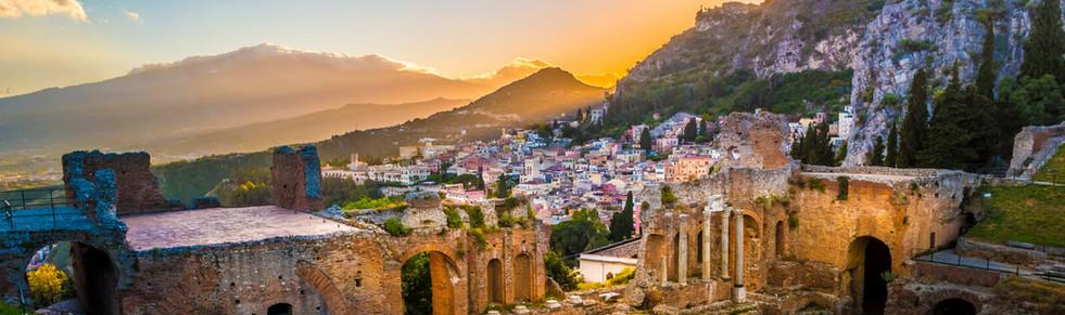 Sicily_taormina_greektheater2.jpg