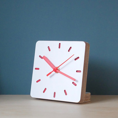 Klock scandi ply desk clock -Red