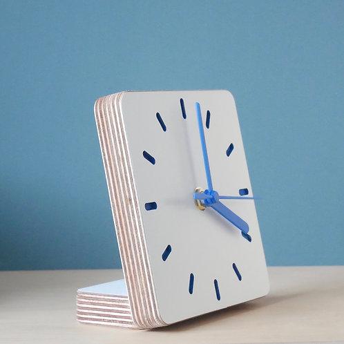 Klock scandi ply desk clock - Blue