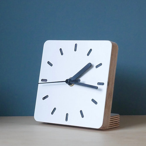Klock scandi ply desk clock -Black