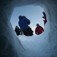 Snowholing Nybyen.jpg