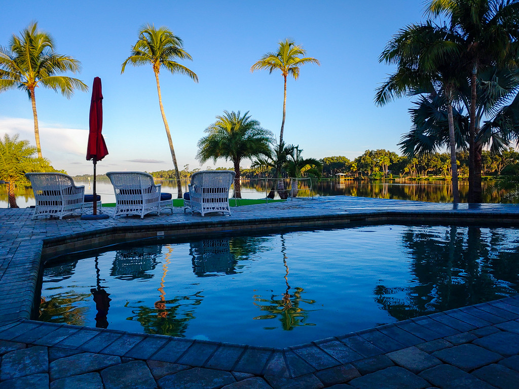 Grace River Island Resort - Pool Evening