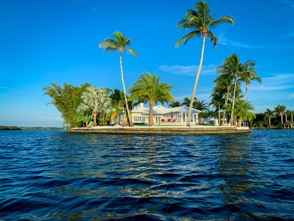 Grace River Island Resort - Island Side