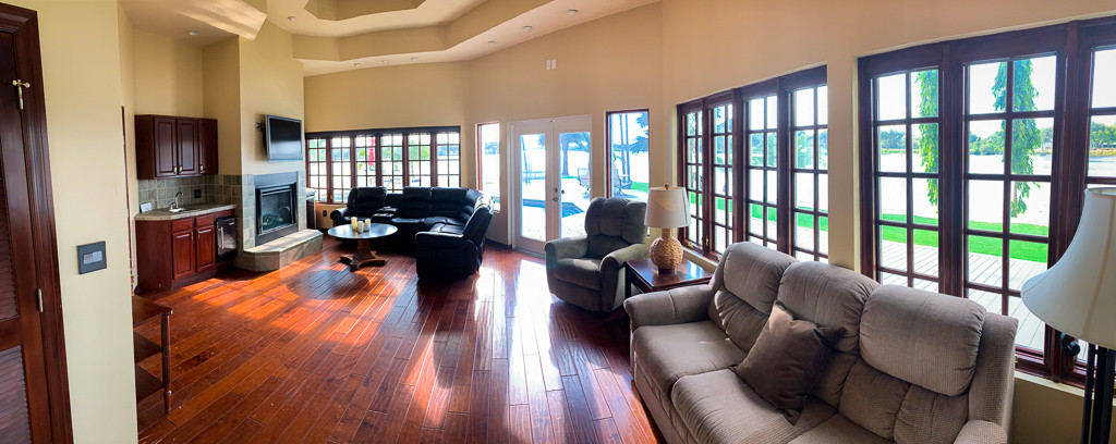 Grace River Island Resort - Family Room.