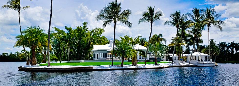 Grace River Island Resort - River Front.