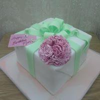 Carnation Present