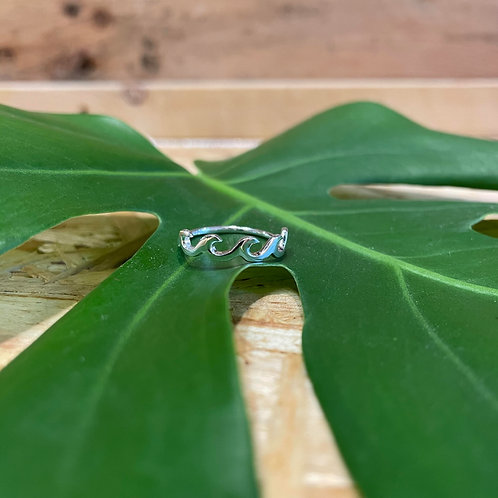 Sterling silver continuous wave ring