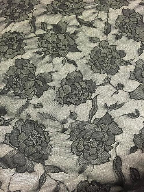 Tul negro flores