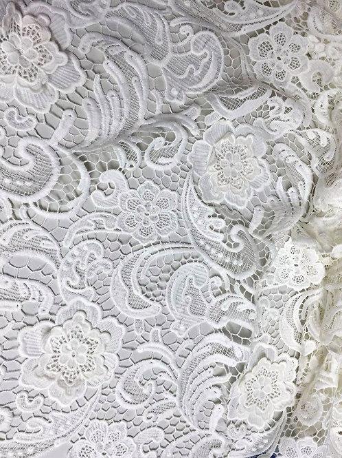 Guipur blanco con relieve