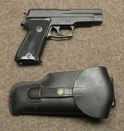 pistola SIG mod. P220 cal. 9mm para
