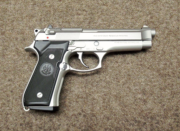 pistola BERETTA mod. 92FS inox cal. 9mm Para