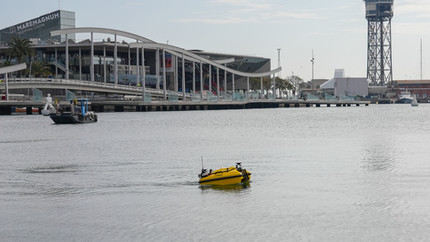 The Port of Barcelona tests a water drone designed and manufactured by GPASEABOTS