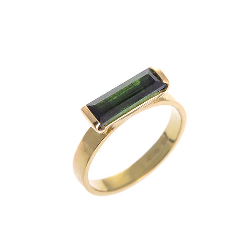 18ct Yellow Gold Ring with Tourmaline