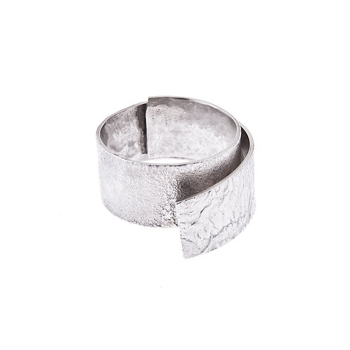 Anne Morgan Jewellery- Moonscape Twist Ring 10mm