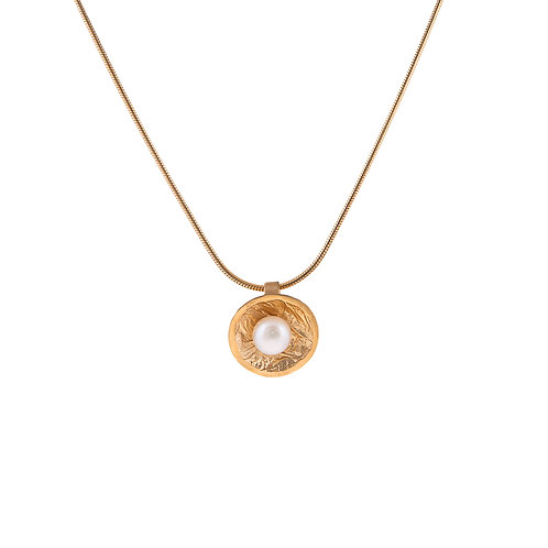 Moonscape Moondrop Pendant with Pearl on Snake Chain Gold Plated