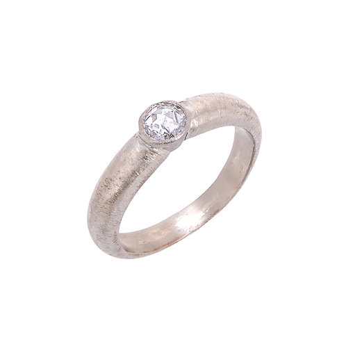 18ct White Gold Ring with Rose Cut White Diamond 0.22ct Size L1/2