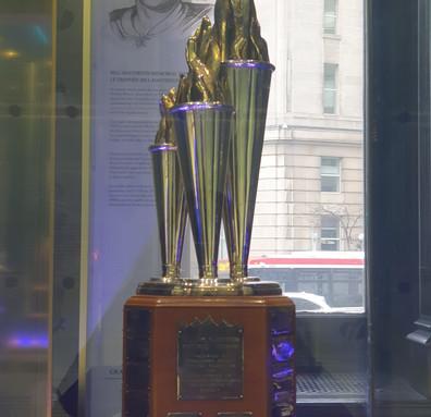 Troféu Bill Masterton Memorial - Jogador que melhor demonstra as qualidades da perseverança, espírito esportivo e dedicação ao hockey