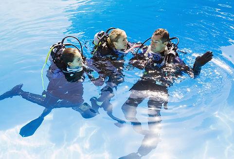 Scuba%20Training%20in%20Swimming%20Pool_