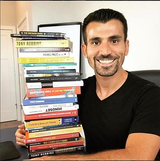 tiago_benevides_livros.png