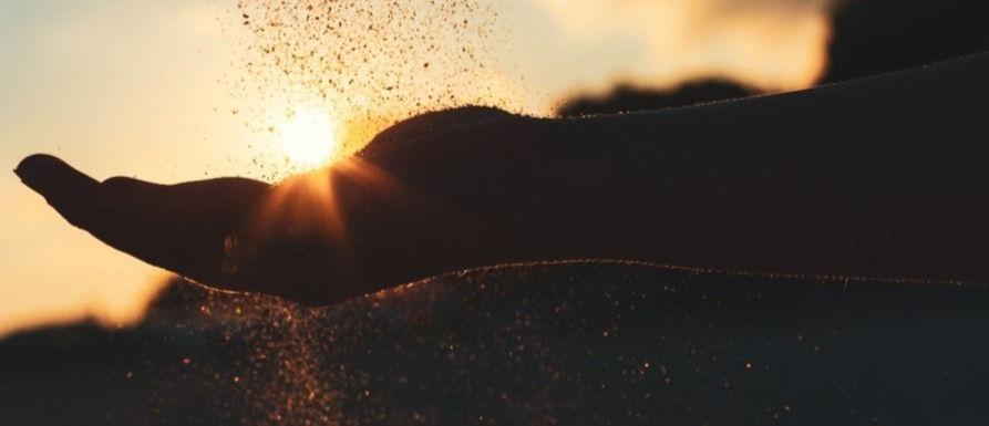 10443-grain-soil-hands-light-silhouette-open-holdin_edited_edited.jpg