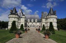 Visite des TGA au château de Mesnières