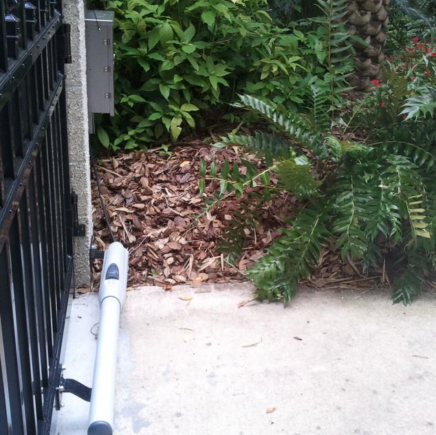 doorking-swing-gate-opener-brock-fence-8