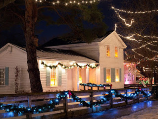 4 Steps to Safely Hanging ( and Removing ) Your Holiday Lights