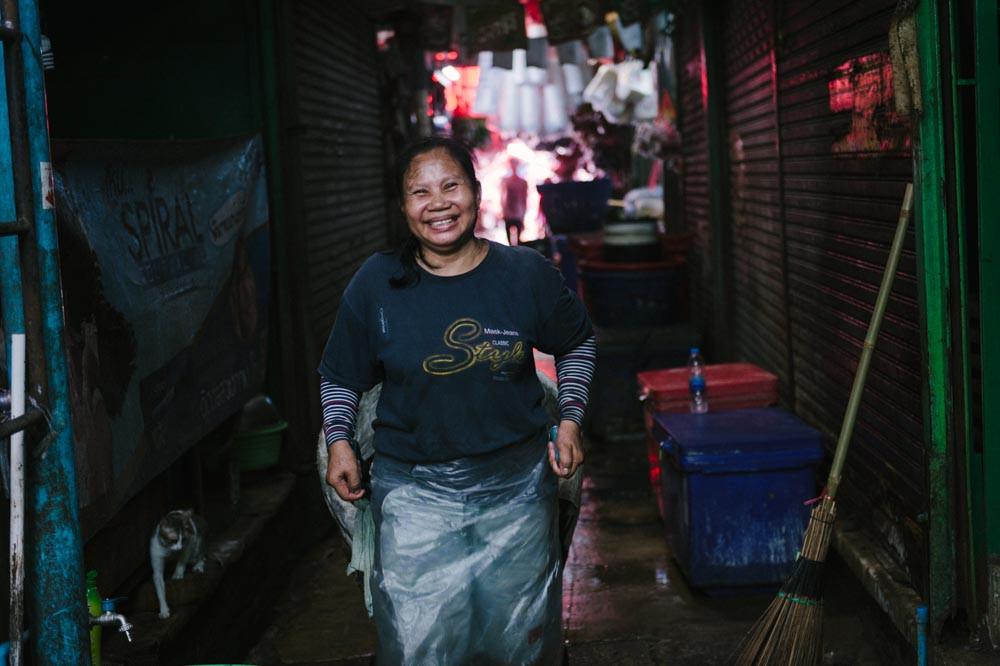 Woman at Khlong Toei market, Bangkok