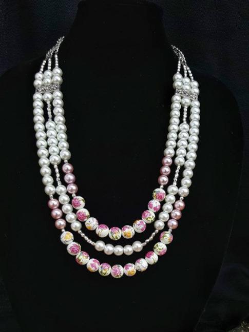 Emilia Pearl Necklace