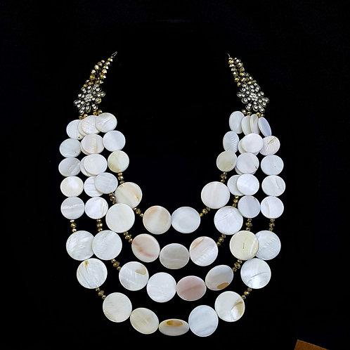 Nyla Shell Necklace