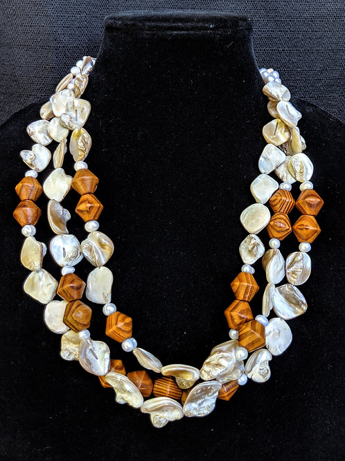 Thea Shell Necklace